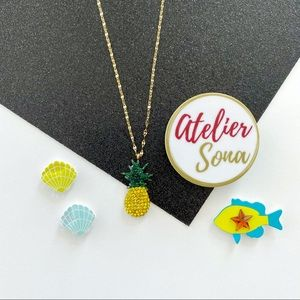 Crystal Encrusted Dainty Pineapple Necklace
